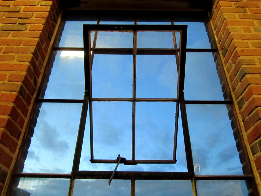 studio 321 window